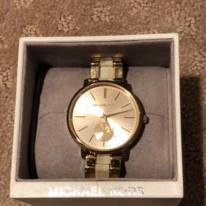 Never worn ladies Michael Kors watch